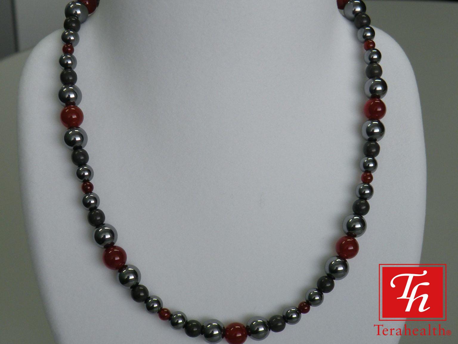 ポリシリコン珠を使ったネックレス 天然石とのコラボ
